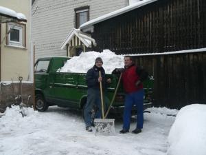 eine Pritsche voll Schnee